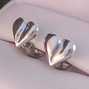 Fabulous AVON  Silver Plate Clip Earrings