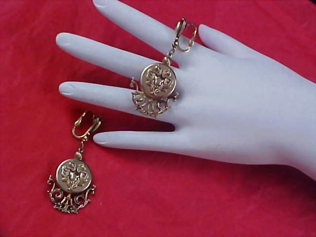 VICTORIAN STYLE Gold Plate Ornate Dangle Clip Earrings