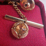 SAXONY Cognac Faceted Stone - Gold Plate 1950's Tie Tac Original Red peau-de-soie jewelry box