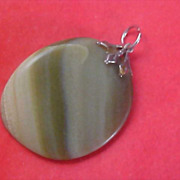 Gorgeous Swirled Moss Green Genuine Agate Silver plate Filigree Cap Pendant