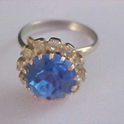 Diamante~  Blue Sapphire Dog Tooth Prong Set Rhinestone Ring - Sz 6 1/2