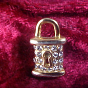 Charming Diamante LOCK (Keyhole) Gold Plate Lapel Pin/Tie Tac