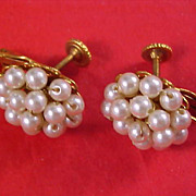 Designer HOBE 1940 - 1950  Hand Wired Simulated Pearls Gold Plate Clip Earrings