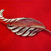 Designer GERRYS Gold Plate PLUME Textured & Polished Brooch/Pin