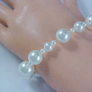 FABULOUS Sim GLASS PEARLS ~Expandable Bracelet ~ Three Sizes Pearls in mm