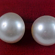 Japan Simulated Button Pearls ~ WW II Clip Earrings