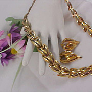 Gold Plate Chain Heavy  Links  DEMI-PARURE - Necklace & Post Earrings