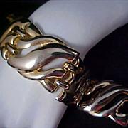 DRAMATIC Open Design Gold Plate Large Link Bracelet