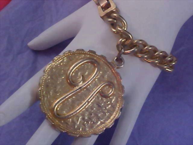 """INITIAL """"V"""" Heavy Gold Plate Medallion & Chain Link Bracelet"""