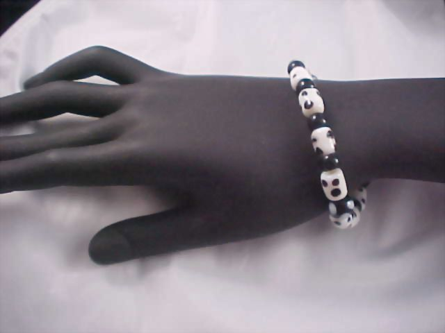 Black & White POLKA DOT Glass Bead Bracelet
