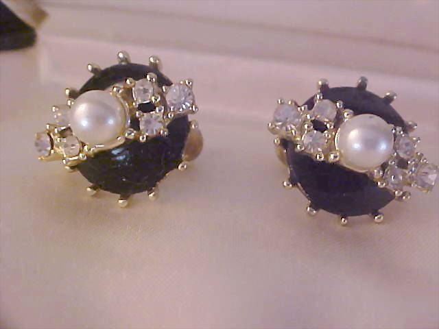 Diamante Chatons~Sim Pearl ~ Black Enamel Screw Back Earrings