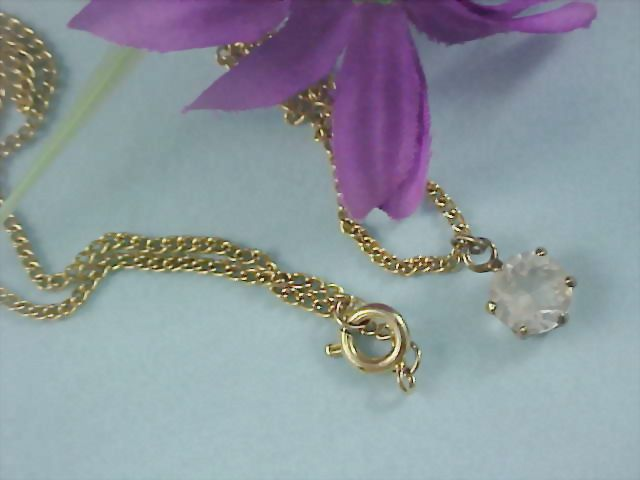 Free Ship - AUSTRIAN CRYSTAL Pendant & Gilt Gold Chain Necklace