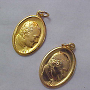 REDUCED~ Beautiful Italy Gold Plate SAINT. POPE JOHN PAUL II ~Religious Medals