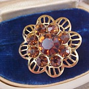 Root Beer/Topaz Rhinestone Gilt Gold Dimensional Brooch - 1950