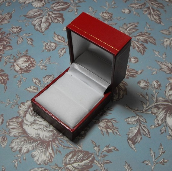 Red Leatherette Single Door Gold Trim Embossed White Velvet Interior Ring Box