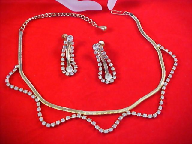 OLD HOLLYWOOD -  Diamante & Mesh Chain Bib Necklace & Dangle Earring Suite by Coro