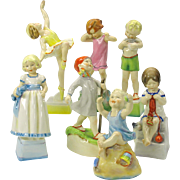 "Complete set 7 vintage Royal Worcester children ""Days of the week"" figures"