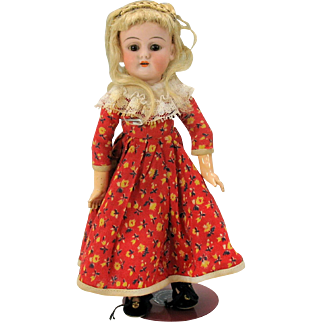 Rare Kestner cabinet size 0 bisque head doll with fully jointed body & pierced ears