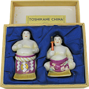 Japanese Toshikane Arita porcelain Sumo wrestler salt & pepper shaker original box