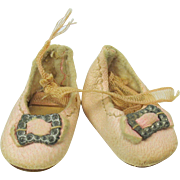 Pair of original pink kid leather 0 sized doll shoes #A