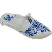 Large Blue & White Meissen porcelain shoe