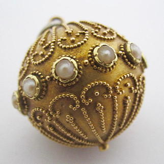 18K Solid Yellow Gold Orb Pendant w/ Pearls Vintage