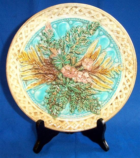 Basket Weaving With Leaves : Basket weave majolica plate with fern leaves and flowers