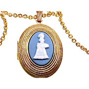 Avon Award President's Campaign 1966 Mrs. Albee on Jasperesque  background