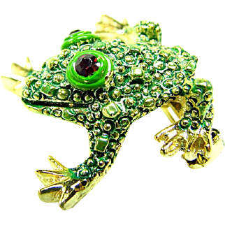 Tiny Smiling Green Tree Toad Pin / Textured Skin