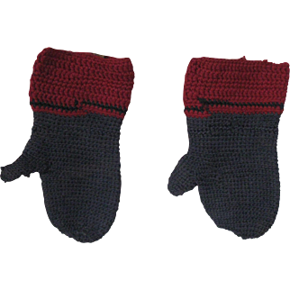 Early  Amish Child's  Wool Mittens, PA