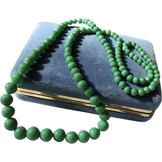 Gorgeous Peking Green Glass Graduated Beaded Necklace