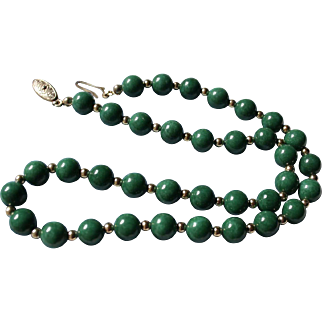 Lovely Vintage Green Peking Glass Beaded Necklace Gold-Filled Clasp
