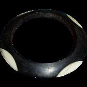 Rare Injected Oblong 4 Dot Bakelot Deco Era Disc Shaped Bangle Bracelet