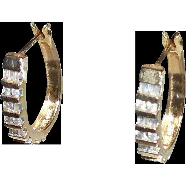 14K Gold Diamonds Hoop Earrings Baguette & Round Cut