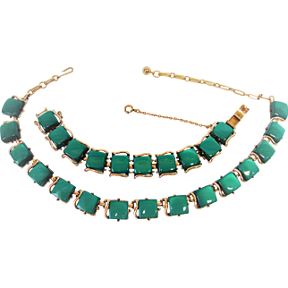 Coro Pegasus Green Necklace Bracelet Set