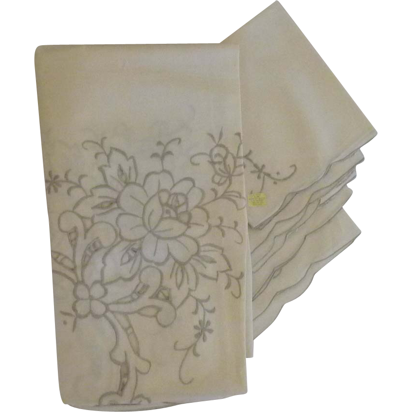 Elegant embroidery cotton cutwork table cloth and cloth for Glass cut work designs