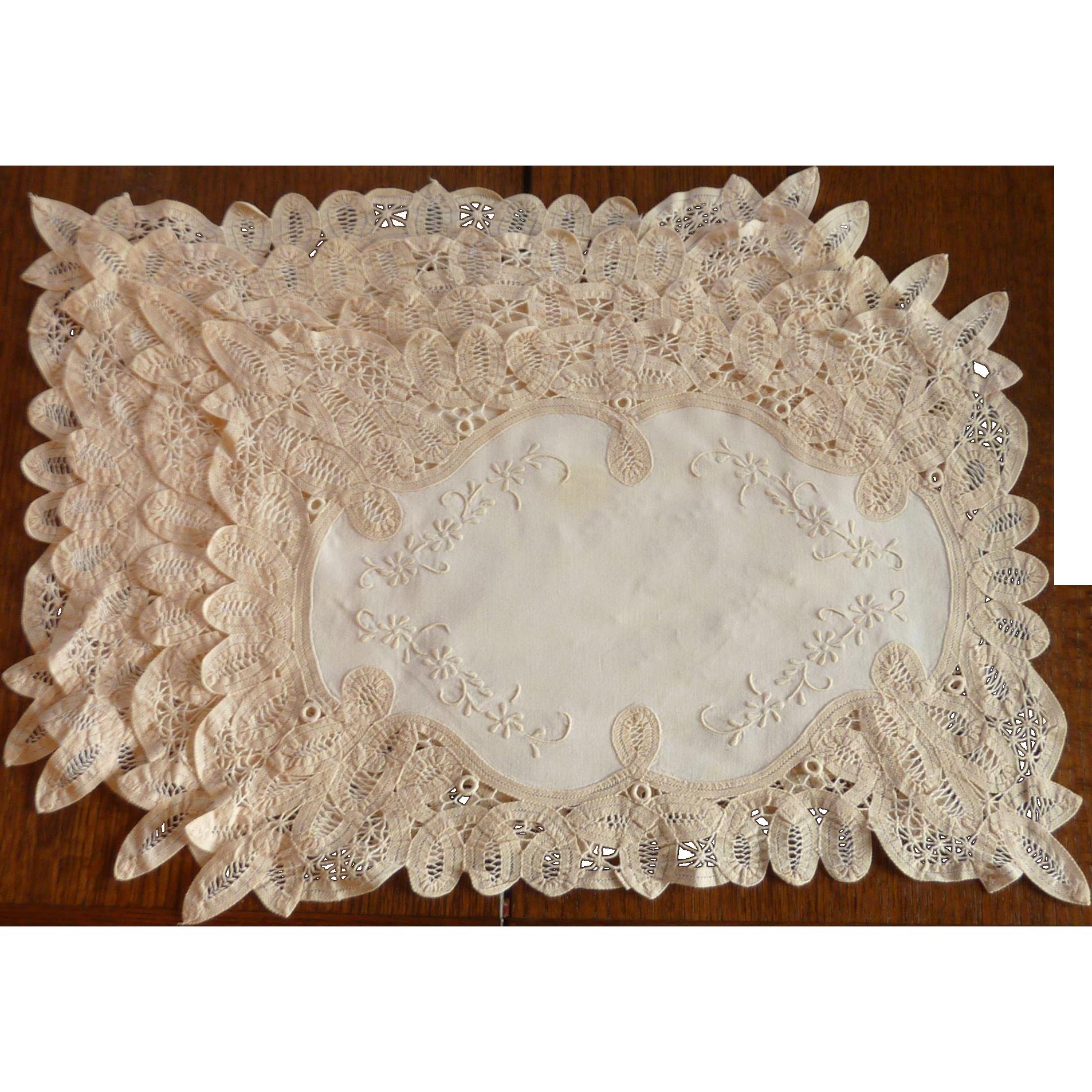 Four Cloth Lace Battenberg Victorian Placemats