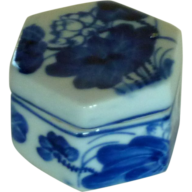 Small Six Sided Trinket Box with Lid Faux Delft Blue