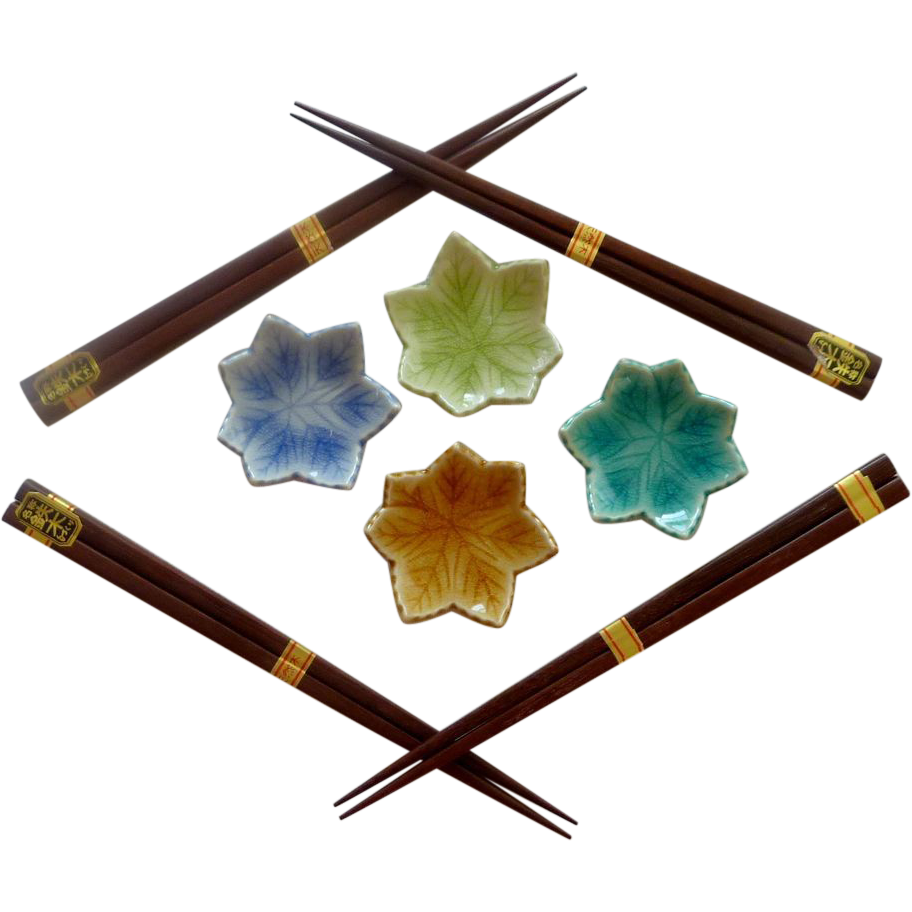 Four Wood Chop Stick Set with Leaf Holders