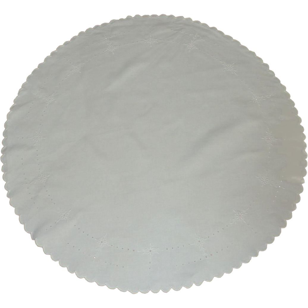 Round White cutwork scalloped Edge Tablecloth