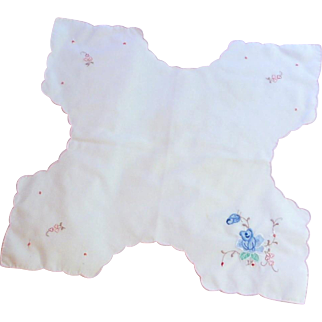 White Cloth with Blue Flowers Bread Basket Liner