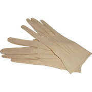 Dents Egg Shell White Kid Leather Wrist Gloves