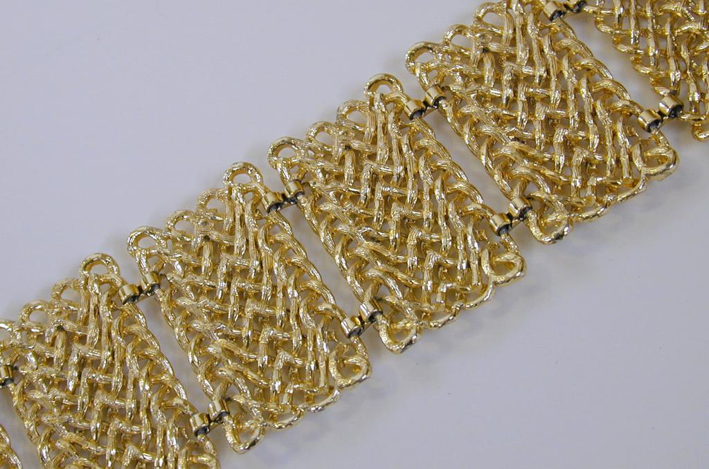 Vintage Gold Toned Wide Chainlink Bracelet