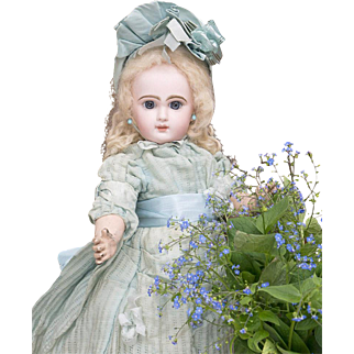 "17"" (44 cm) Antique French Superb Bisque Bebe Doll Douillet for Jumeau  in original costume, size 7"