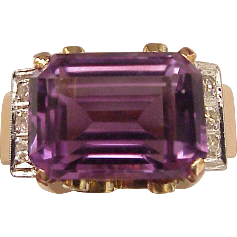 18Kt. Three Color Gold Amethyst Ring with Diamond Accent - Circa 1945