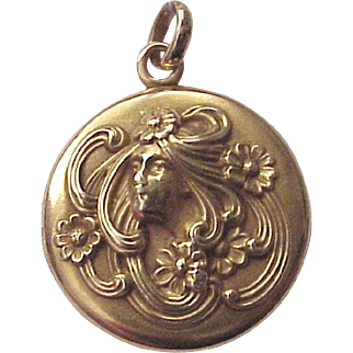 14Kt. Gold Art Nouveau Locket for Two photos - Circa 1905
