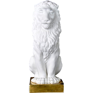 Vintage Porcelain Lion on a Gilt Base Mottahedeh Italy