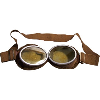 WW1 or WW2 Military Aviator Goggles Fleece Lined Vintage