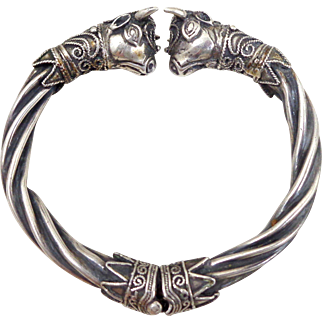 Vintage 900 Silver Etruscan Revival Bulls Heads Cuff Bracelet