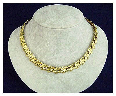 Exquisite Detailed Leaf Necklace Vintage NAPIER ca. 1980's
